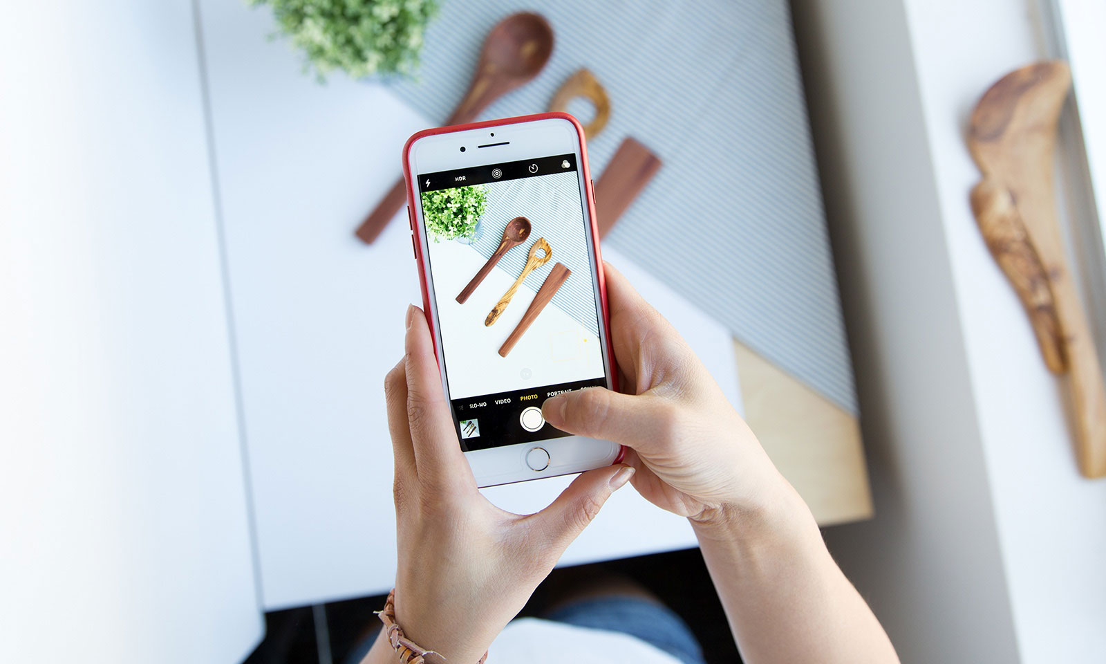 How to Take Quick Product Photos Using Your Smartphone...for under $5!