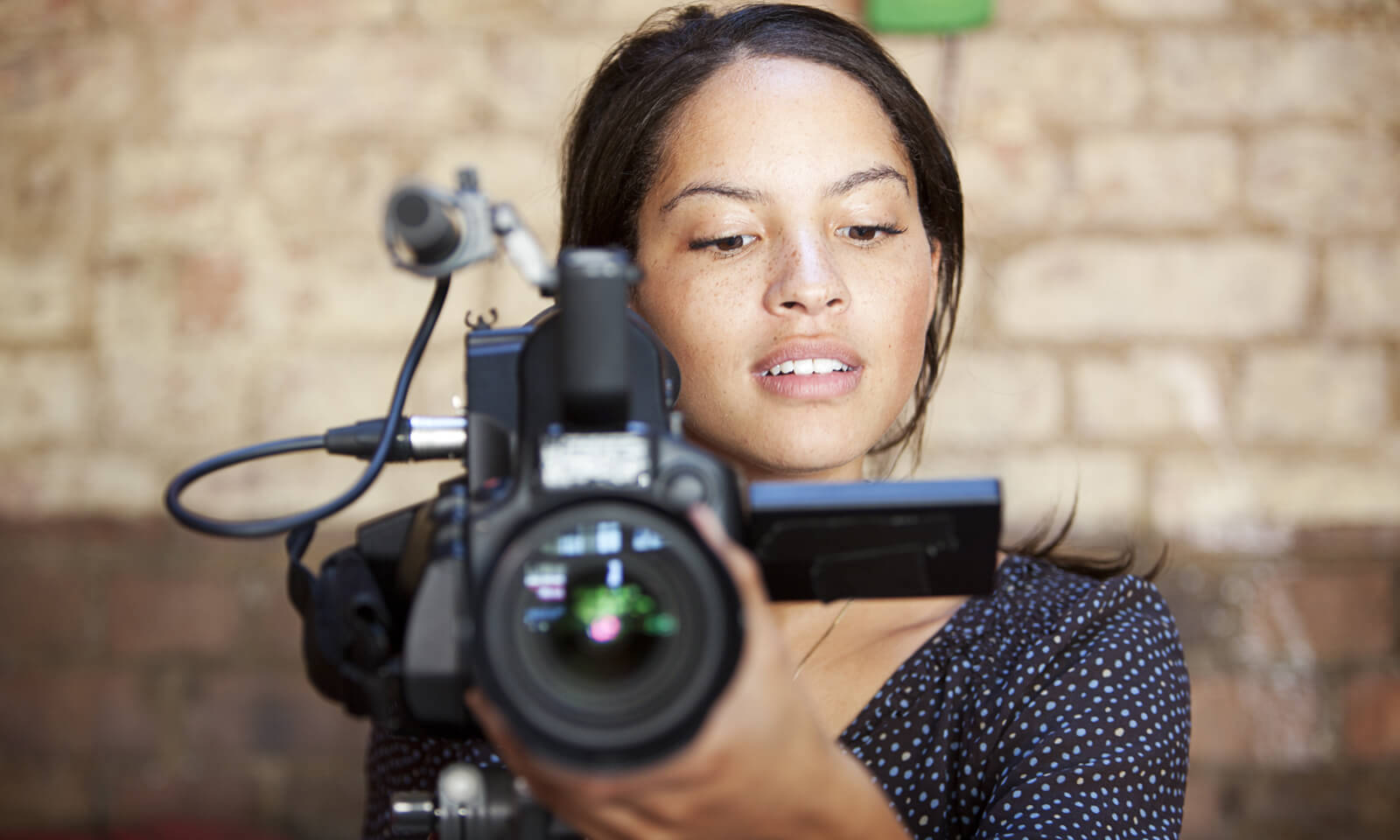 5 Easy Ways to Create Video Content for Social Media